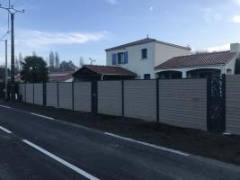 clôture composite et claustra en aluminium